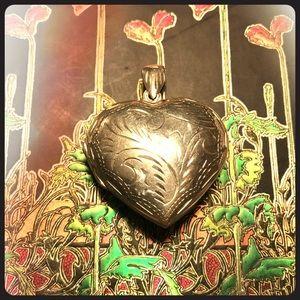 Jewelry - Gorgeous Ornate Medium Sized Sterling Locket